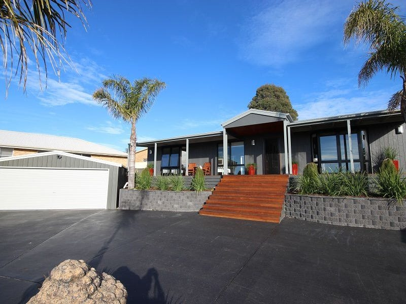 13 Blue Marlin Court, Eden, NSW 2551