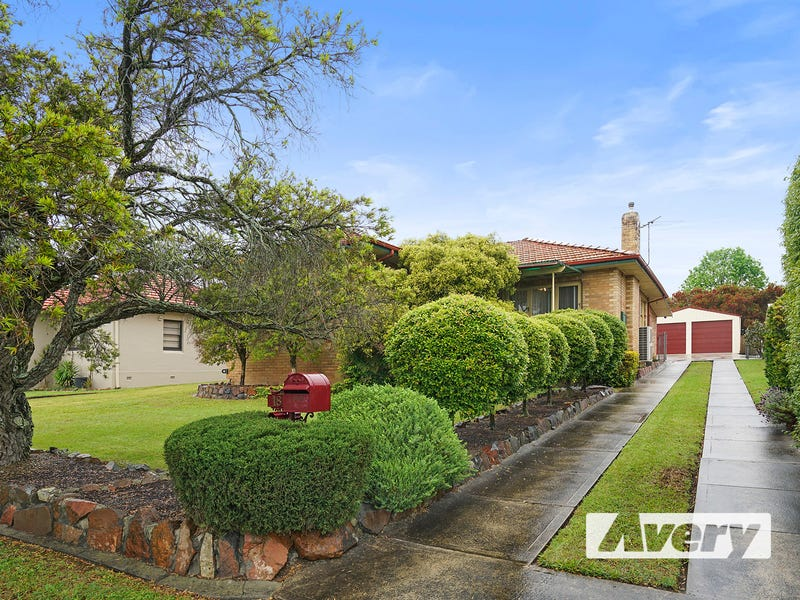 18 Fourth Street, Booragul, NSW 2284