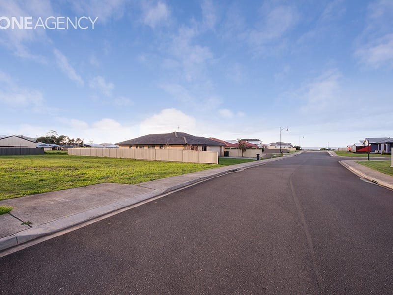 12 Waterford Drive, Sulphur Creek, Tas 7316
