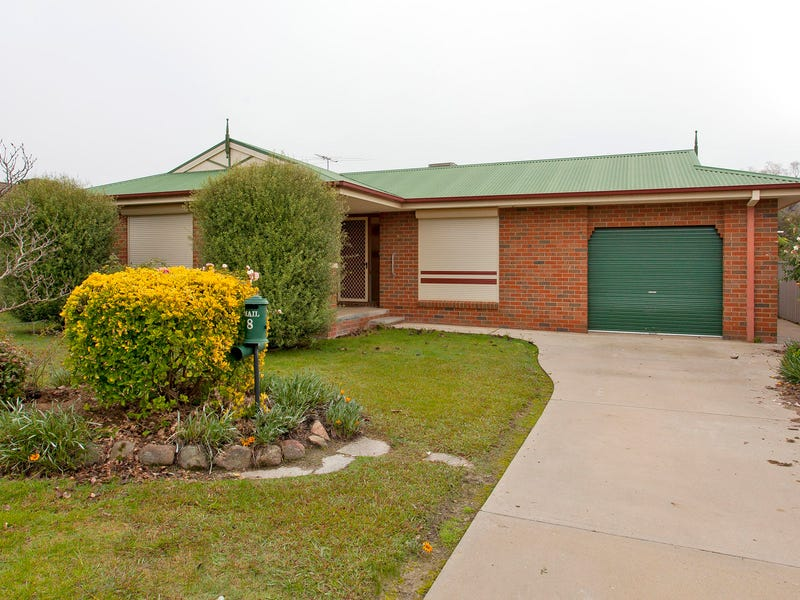 8 Bullara Court, Lavington, NSW 2641