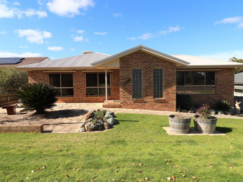 47 Fontenoy Street, Young, NSW 2594