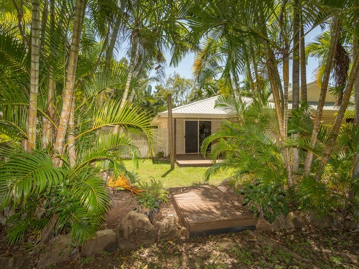 25 Johnson Avenue, Seaforth, Qld 4741