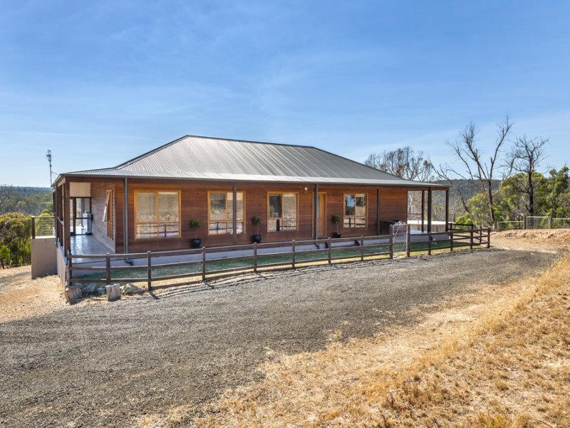230 Doctors  Creek Road, Clonbinane, Vic 3658