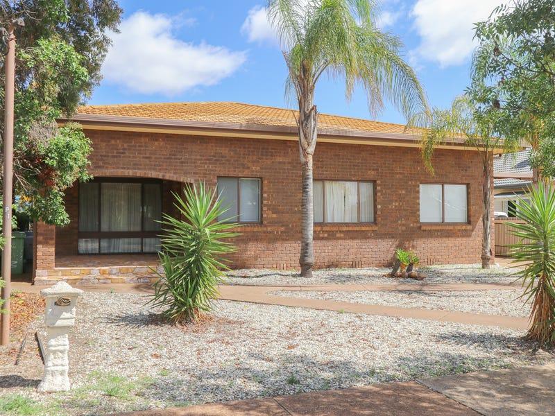 82 Monash Street, West Wyalong, NSW 2671