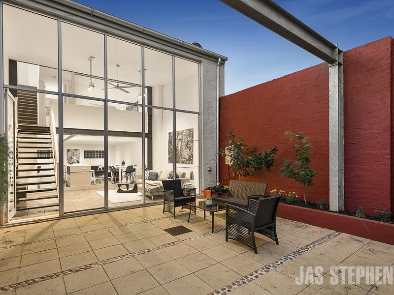 2/42 Station Road, Seddon, Vic 3011