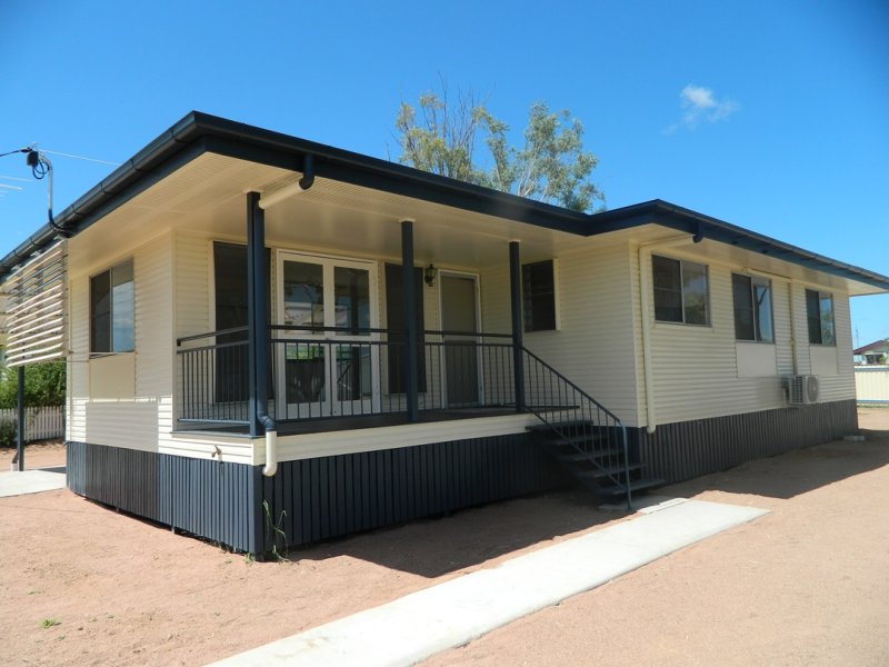 17 Stilt Street, Longreach, Qld 4730