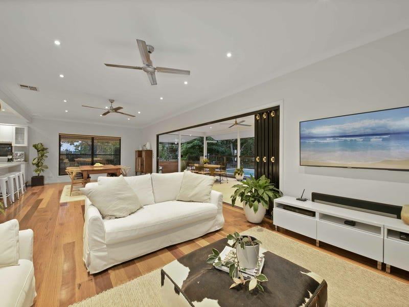 8 Brisbane Corso, Fairfield, Qld 4103