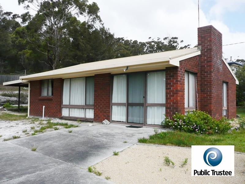 174 Main Road, Binalong Bay, Tas 7216