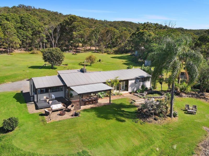 32 Sunnyside Avenue, Point Clare, NSW 2250