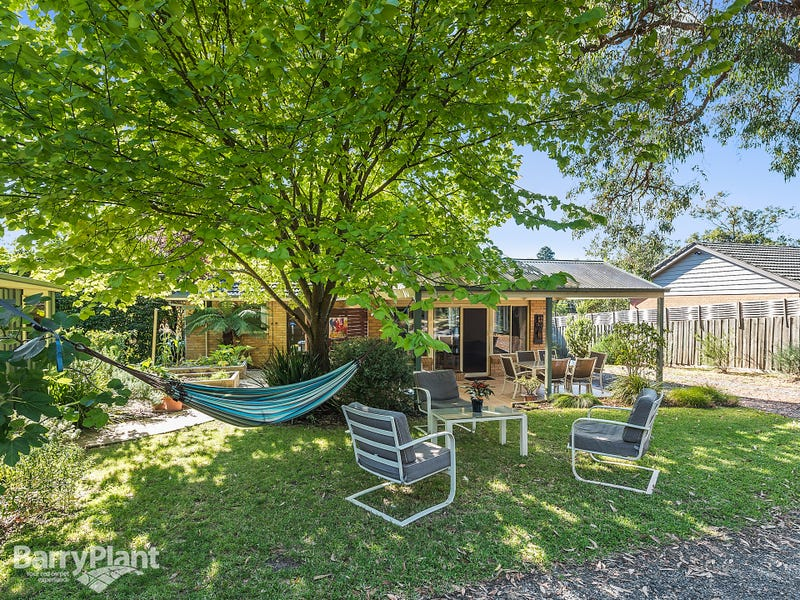 13 Augusta Road, The Basin, Vic 3154