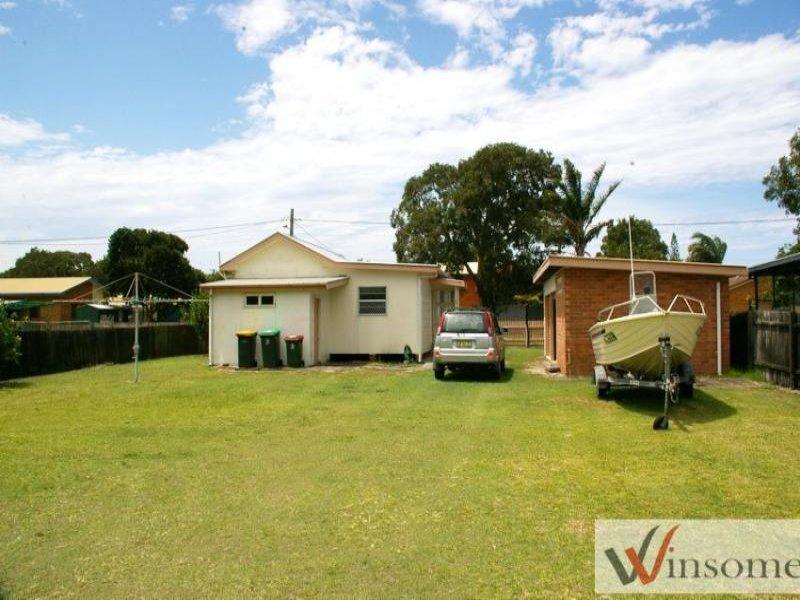 33 Creek Street, Hat Head, NSW 2440