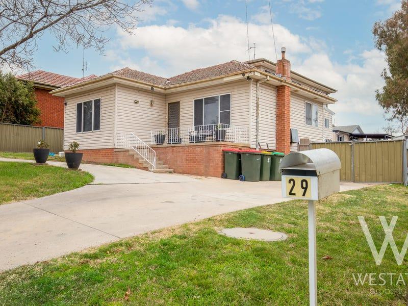 29 Macquarie Street, West Bathurst, NSW 2795