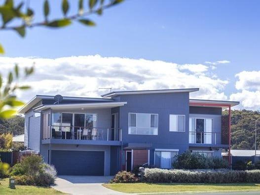 6 Beachside Boulevard, Tomakin, NSW 2537