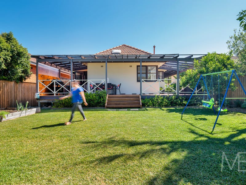179 Eastern Valley Way, Middle Cove, NSW 2068