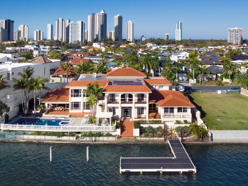 113 Commodore Drive, Paradise Waters