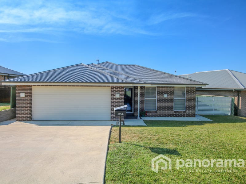 7a Freeman Circuit, Llanarth, NSW 2795
