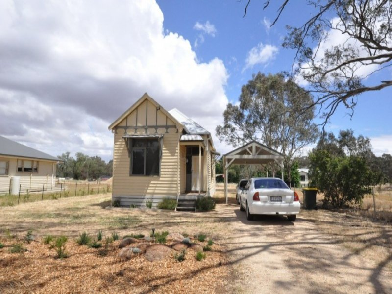 25 Thomas Street, Dunolly, Vic 3472
