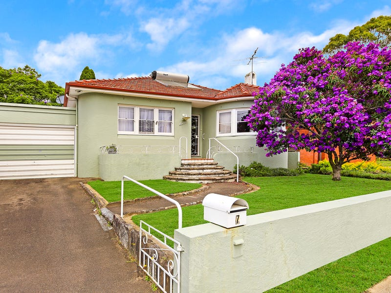 7 PATERSON AVE, Kingsgrove, NSW 2208