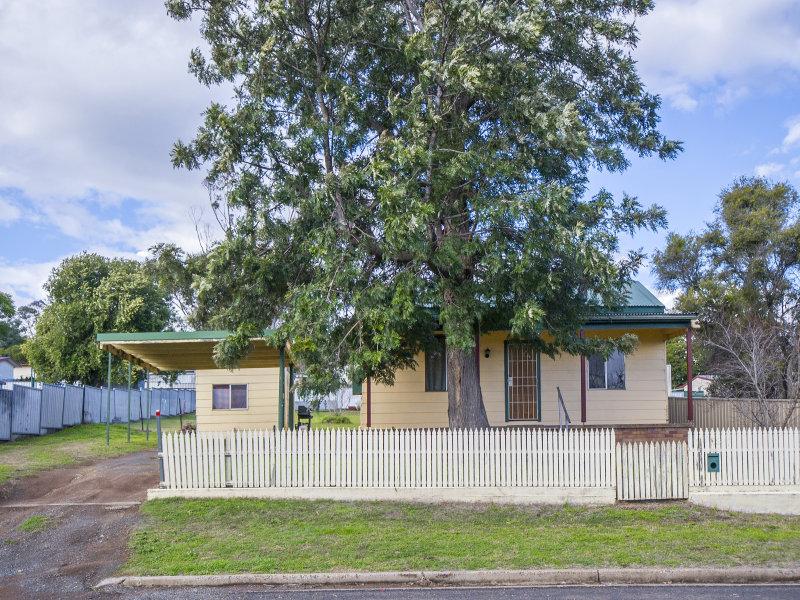 18 Mount Street, Aberdeen, NSW 2336