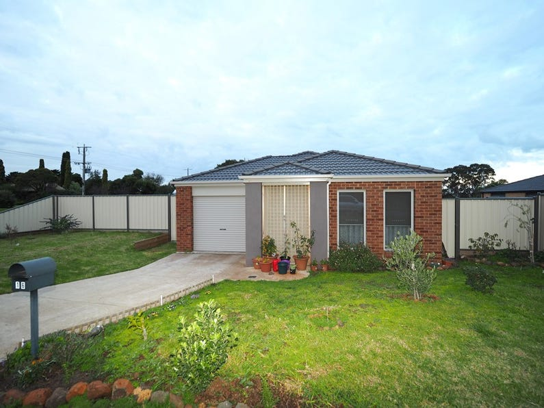 16 Mount Road, Mortlake, Vic 3272