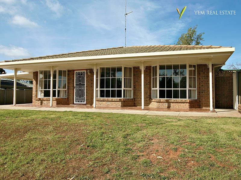 15 Nilpena Court, Craigmore, SA 5114