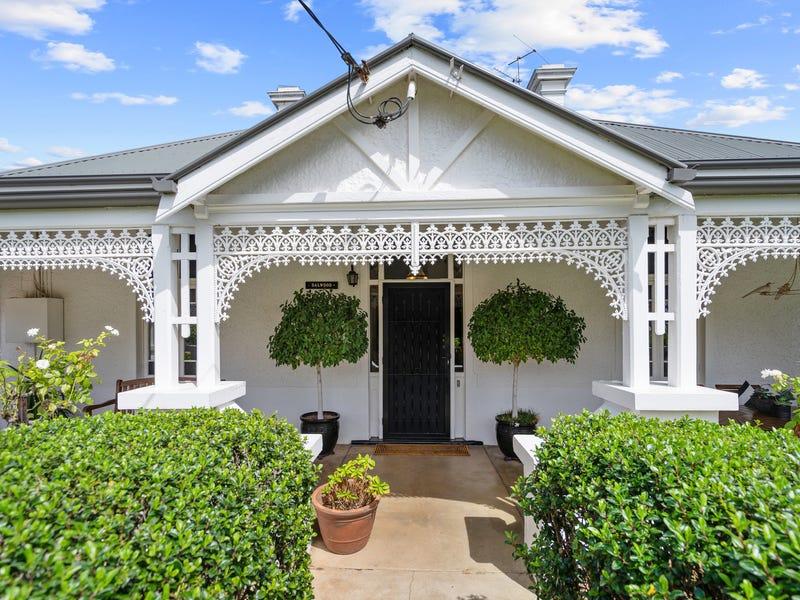 32 Collins Street, Turvey Park, NSW 2650
