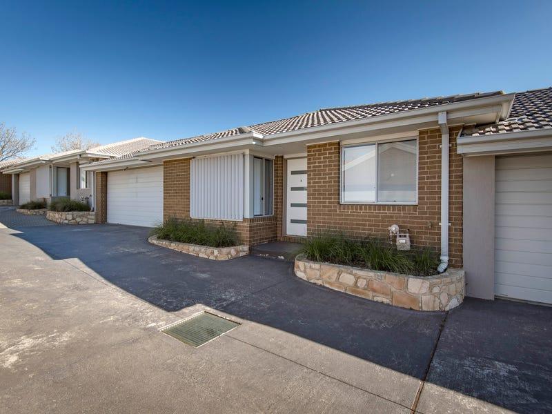 2/78 Uriarra Road, Crestwood, NSW 2620