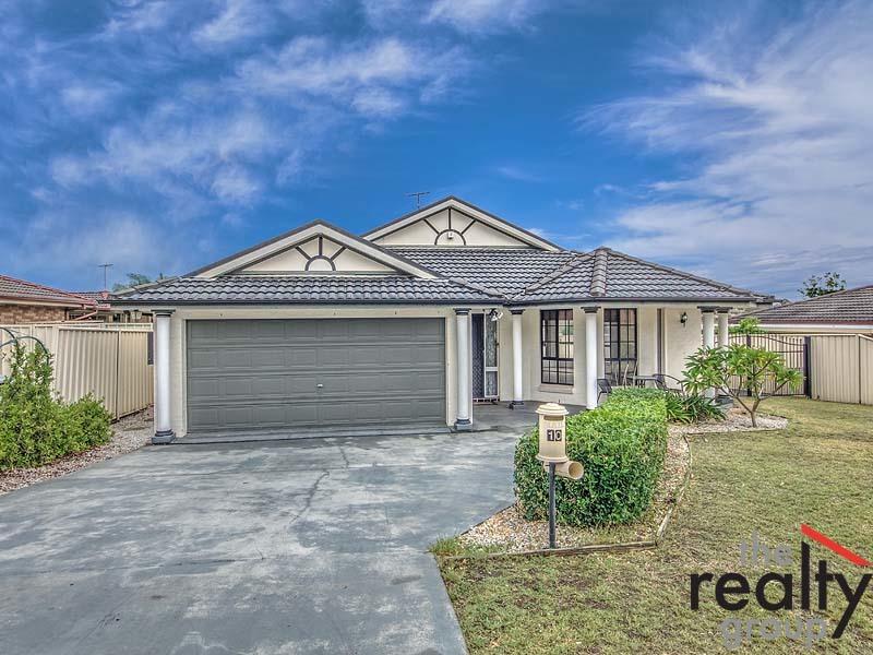 10 Theseus Circuit, Rosemeadow, NSW 2560
