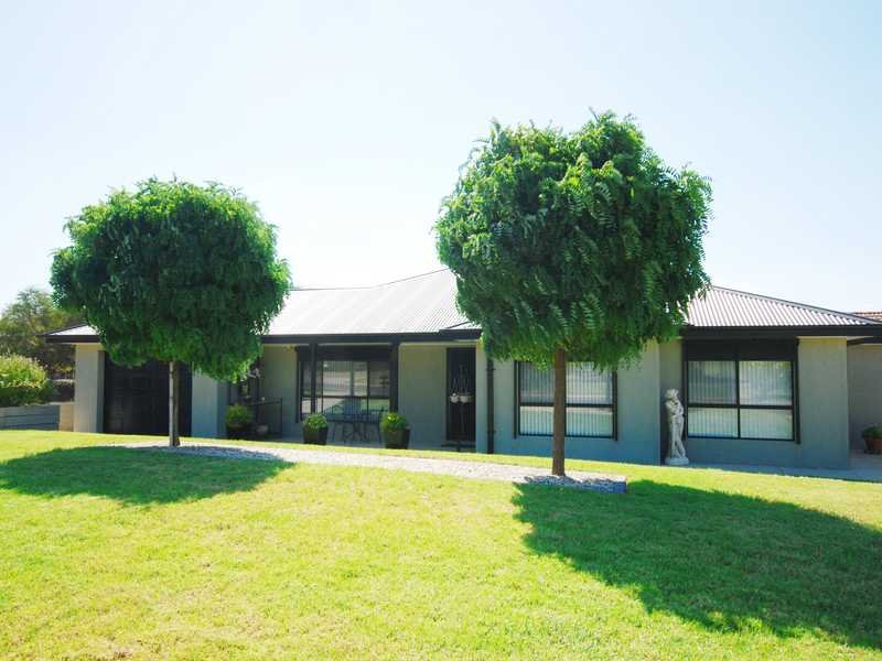 1/3 Kimberley Drive, Tatton, NSW 2650