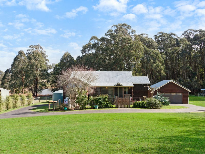 8 Kelly Court, Kinglake West, Vic 3757