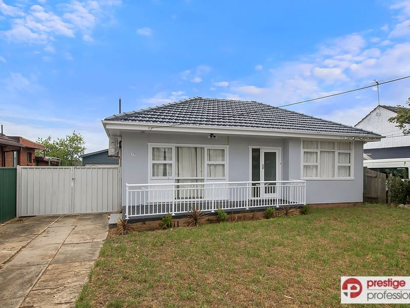 17 Doran Avenue, Lurnea, NSW 2170