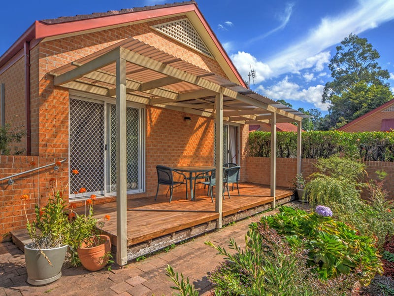 5/4 Carisbrooke Close, Bomaderry, NSW 2541