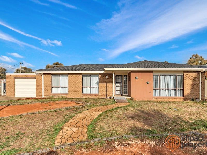 7 Tuck Place, Richardson, ACT 2905