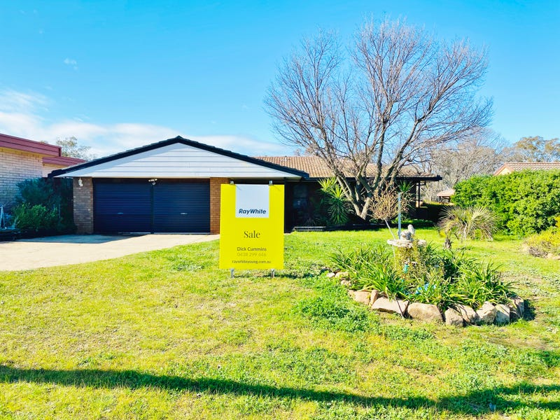 14 Crichton Cresent, Young, NSW 2594