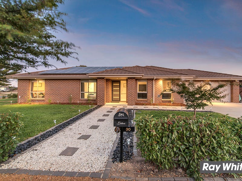 30 Walter Crocker Crescent, Casey, ACT 2913
