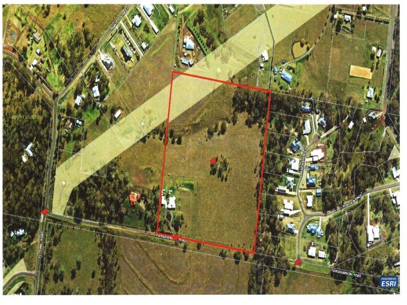 35 FARQUHARSON RD, Top Camp, Qld 4350