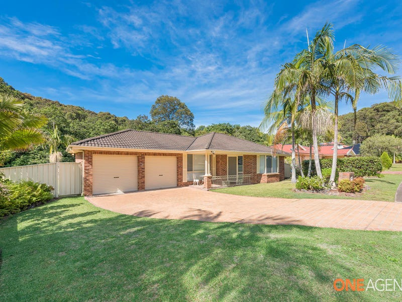 5 Callistemon Close, Caves Beach, NSW 2281