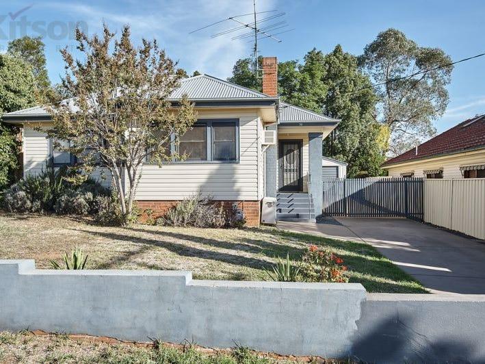 30 Blamey Street, Turvey Park, NSW 2650