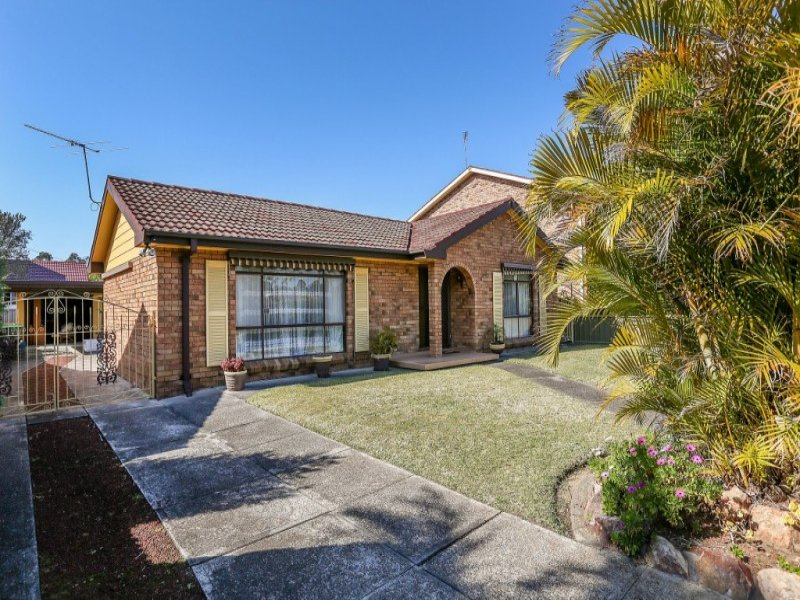 832 Macquarie Drive, Croudace Bay, NSW 2280