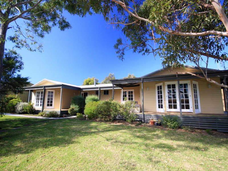 39 Aroona Road, Coomba, NSW 2428
