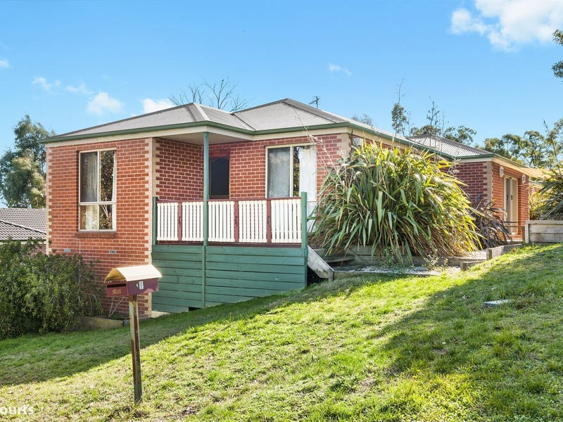 10 Redwood Court, Mount Helen, Vic 3350
