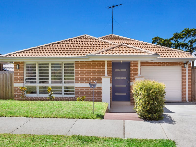 5 WALLABY CIRCUIT, Mona Vale