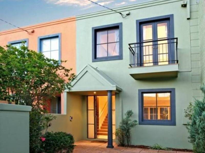 2A Howard Street, South Yarra
