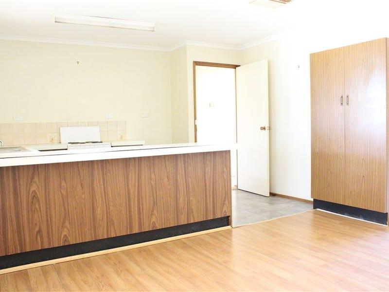 17 Belagoy, Cobar, NSW 2835