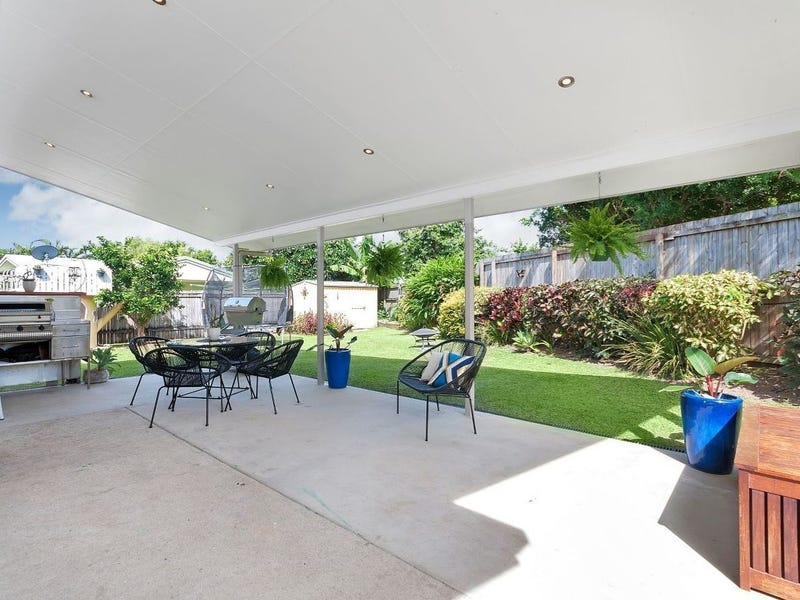 18 Leeuwin Crescent, Bentley Park, Qld 4869