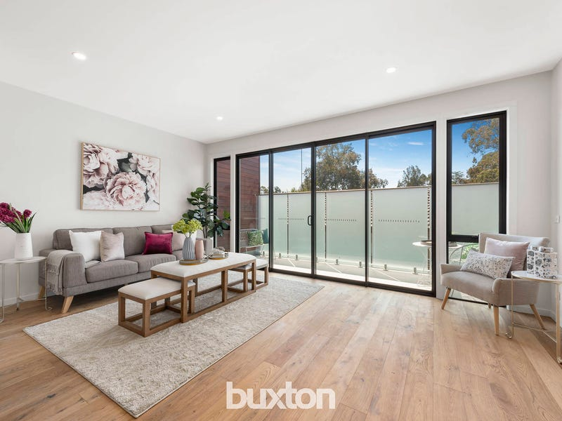 2/17 Arnold Grove, Doncaster, Vic 3108