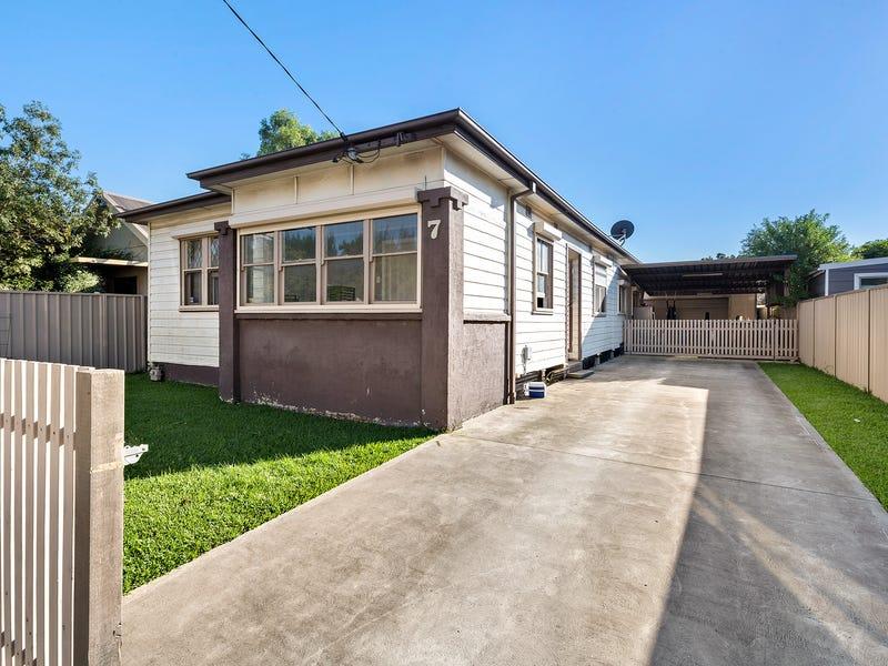 7 Adrian Street, Mayfield West, NSW 2304