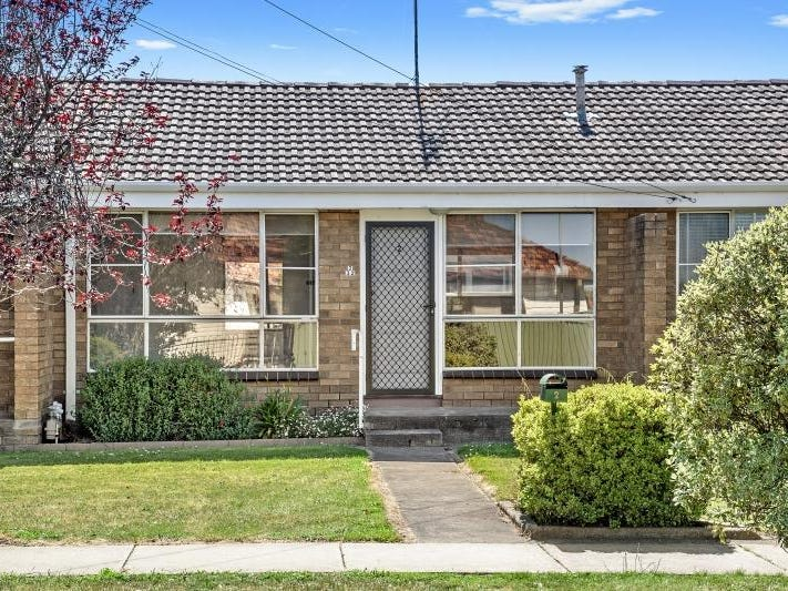 2/32 Hastings Street, Wendouree, Vic 3355