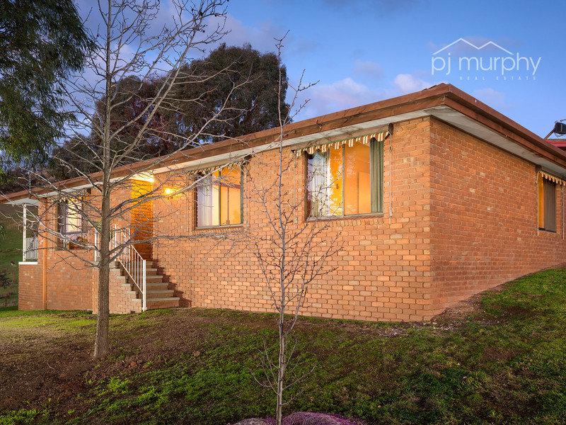21 Hillcrest Avenue, Bellbridge, Vic 3691