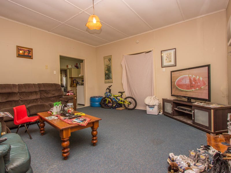 10 Orme Street, Boree Creek, NSW 2652